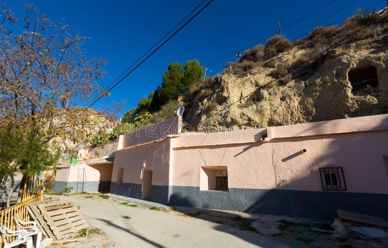 Σπίτια κατοικιών στο βράχο Cortes de Baza στοκ φωτογραφία με δικαίωμα ελεύθερης χρήσης