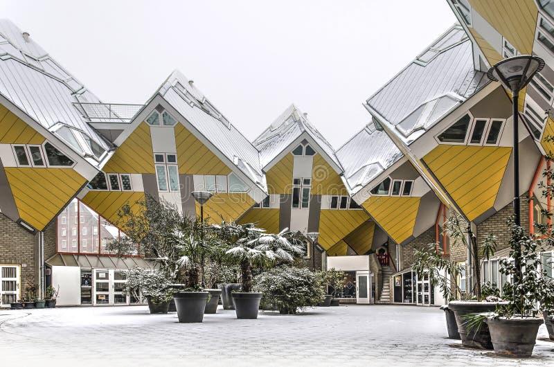 Σπίτια κύβων το χειμώνα στοκ εικόνα με δικαίωμα ελεύθερης χρήσης