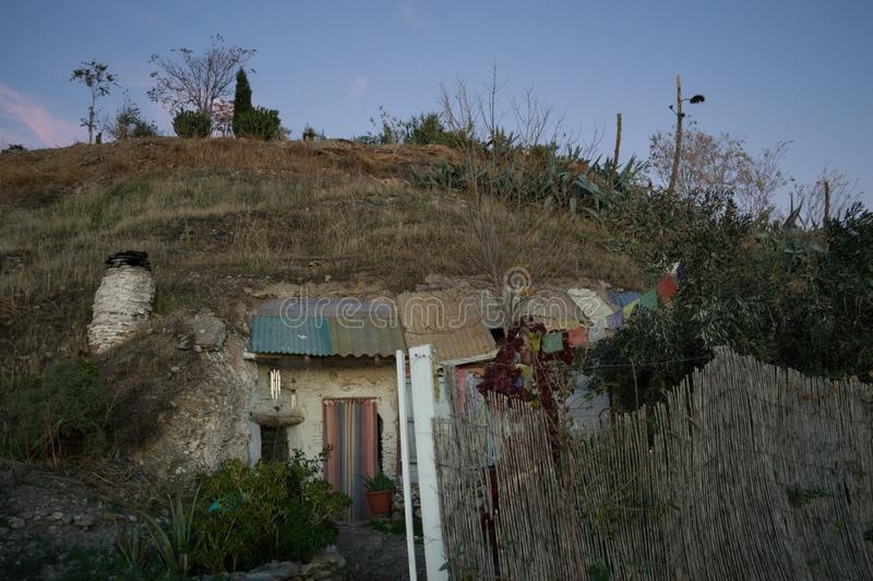 Σπίτια σπηλιών στη γειτονιά Sacromonte, Γρανάδα, Ισπανία στοκ εικόνα
