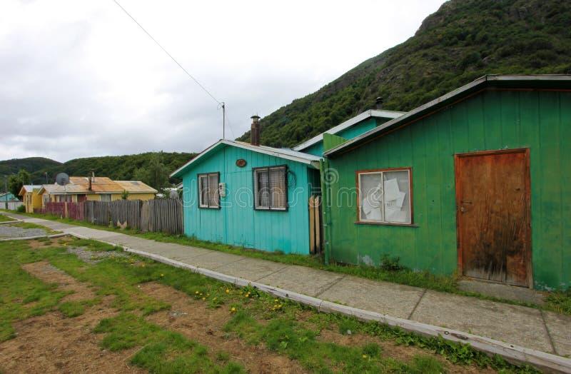 Σπίτια στη βίλα Ο ` Higgins, Carretera νότιο, Χιλή στοκ φωτογραφία