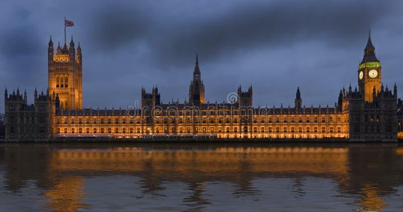 Σπίτια του Κοινοβουλίου στο Λονδίνο Αγγλία στοκ εικόνες
