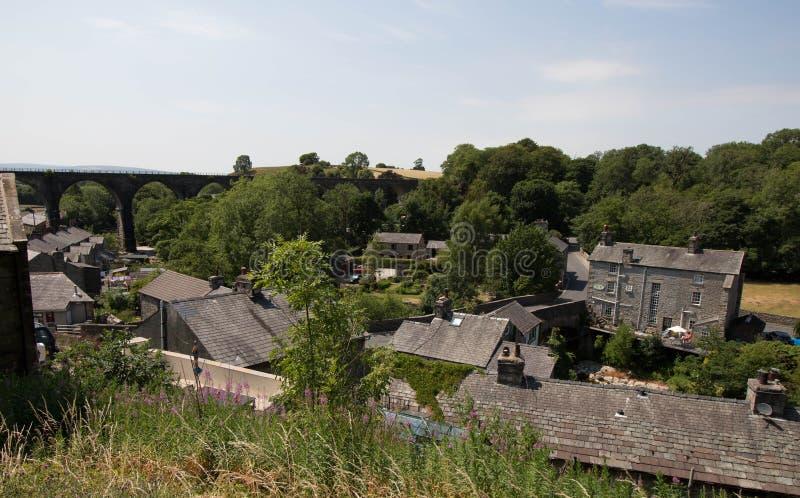 Σπίτια του χωριού πετρών Ingleton, κοιλάδες του Γιορκσάιρ, βόρειο Γιορκσάιρ στοκ εικόνες με δικαίωμα ελεύθερης χρήσης