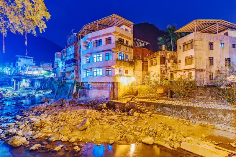 Σπίτια όχθεων ποταμού στην αγροτική περιοχή της Ταϊβάν στοκ εικόνα