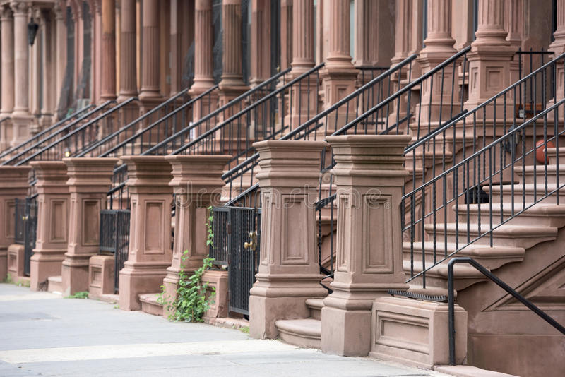 Σπίτια Harlem στην πόλη της Νέας Υόρκης στοκ εικόνα με δικαίωμα ελεύθερης χρήσης