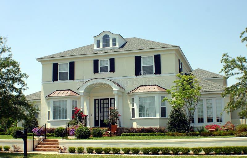 σπίτι αμερικανικού ονείρ&omic στοκ εικόνα με δικαίωμα ελεύθερης χρήσης