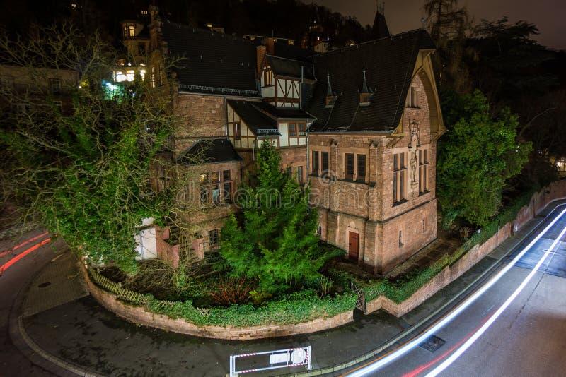 Σπίτι γωνιών στο λόφο στη Χαϋδελβέργη τη νύχτα στοκ εικόνες με δικαίωμα ελεύθερης χρήσης