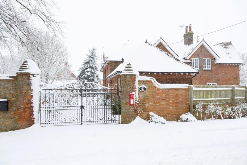 Σπίτι εξωτερικό το χειμώνα στοκ εικόνες