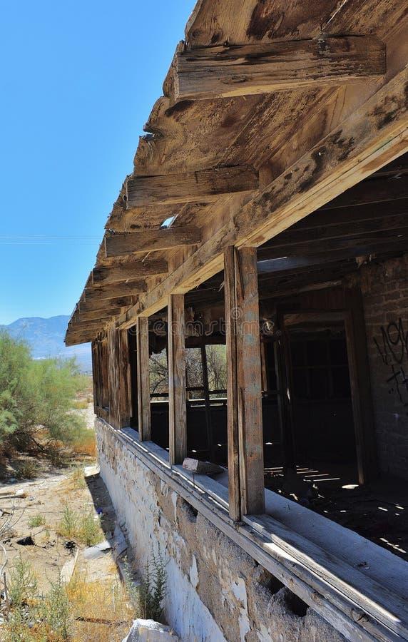 σπίτι ερήμων που καταστρέφεται στοκ φωτογραφίες
