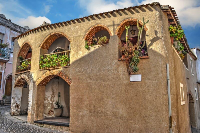 Σπίτι με τις αψίδες στη Σαρδηνία στοκ φωτογραφία με δικαίωμα ελεύθερης χρήσης