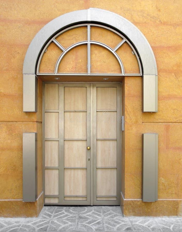 σπίτι πορτών στοκ φωτογραφία με δικαίωμα ελεύθερης χρήσης