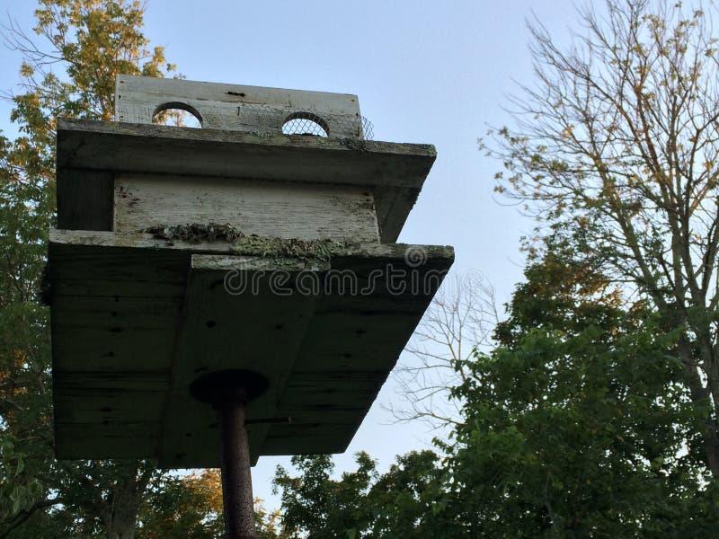 σπίτι πουλιών παλαιό στοκ φωτογραφίες με δικαίωμα ελεύθερης χρήσης