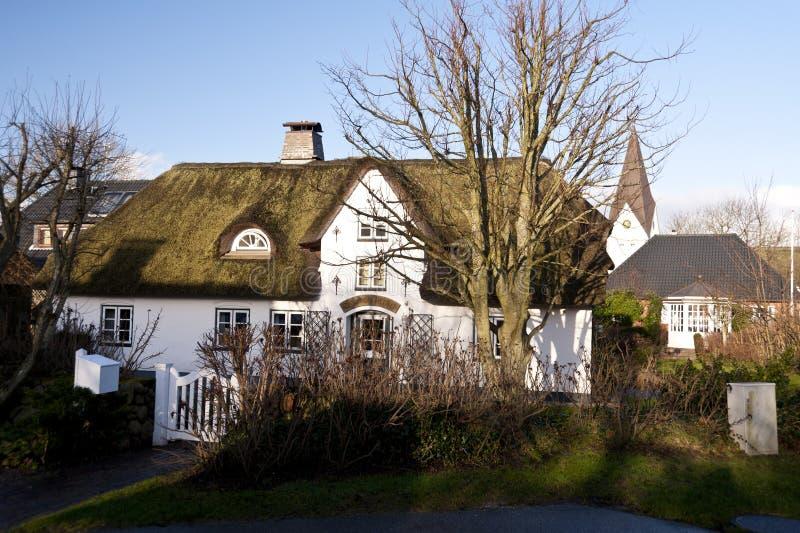 Σπίτι στεγών Thatched σε Amrum στοκ φωτογραφία με δικαίωμα ελεύθερης χρήσης