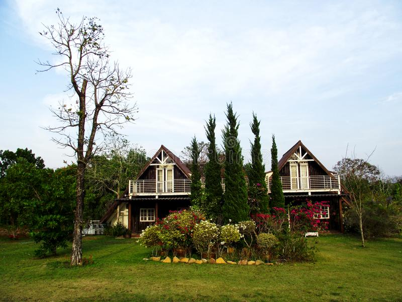 Σπίτι στον κήπο στοκ εικόνα