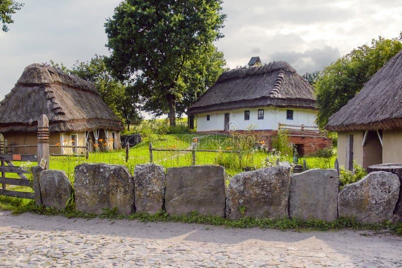 Σπίτι στο χωριό στοκ φωτογραφία με δικαίωμα ελεύθερης χρήσης