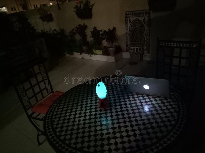 Σπίτι τή νύχτα στοκ εικόνα