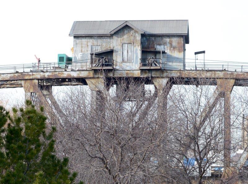 Σπίτι της προσφοράς γεφυρών στοκ εικόνα με δικαίωμα ελεύθερης χρήσης
