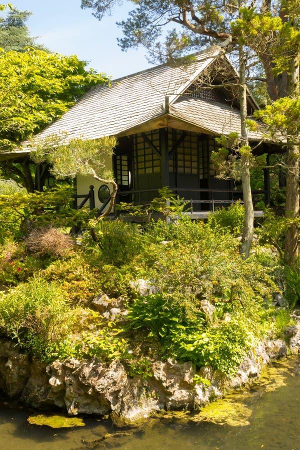 Σπίτι τσαγιού. Ιαπωνικοί κήποι του ιρλανδικού εθνικού στηρίγματος.  Kildare. Ιρλανδία στοκ φωτογραφίες