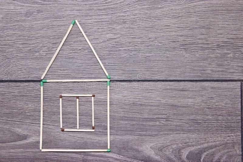 Σπίτι των αντιστοιχιών στο πάτωμα στοκ φωτογραφία με δικαίωμα ελεύθερης χρήσης