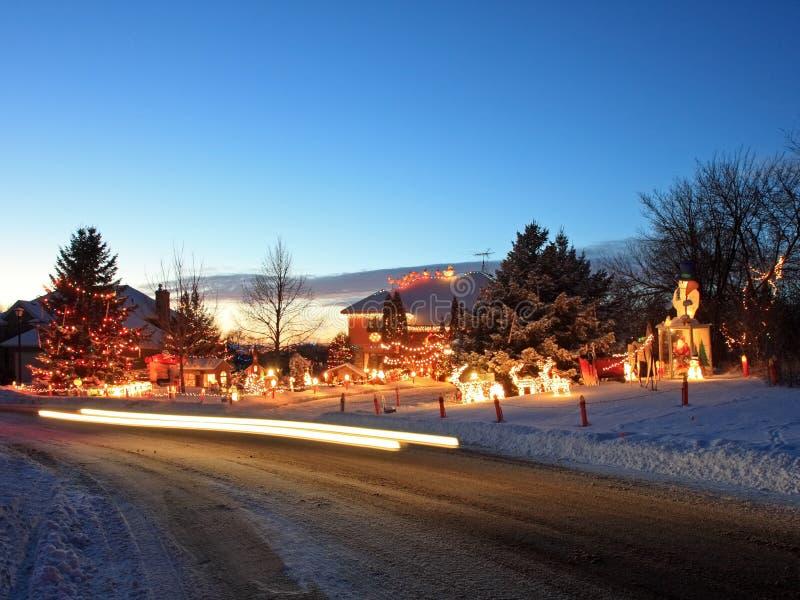 Σπίτι Χριστουγέννων σε Μινεσότα με τους φωτεινούς σηματοδότες στοκ φωτογραφίες με δικαίωμα ελεύθερης χρήσης