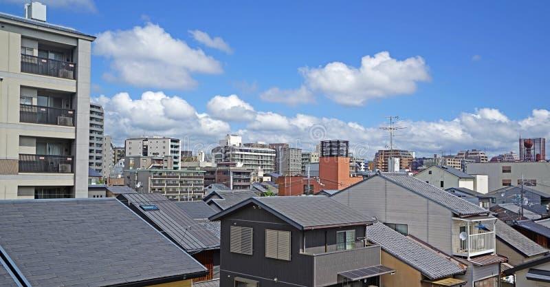 Σπίτι, townhouse και διαμέρισμα στη residencial περιοχή της Ιαπωνίας Οζάκα στοκ φωτογραφία