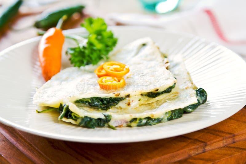 Σπανάκι και τυρί Quesadilla στοκ φωτογραφίες