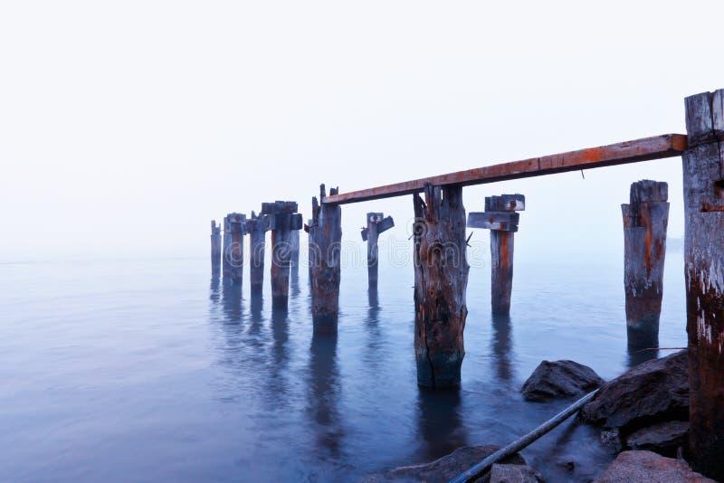 σπασμένη βάρκα αποβάθρα στοκ φωτογραφία με δικαίωμα ελεύθερης χρήσης