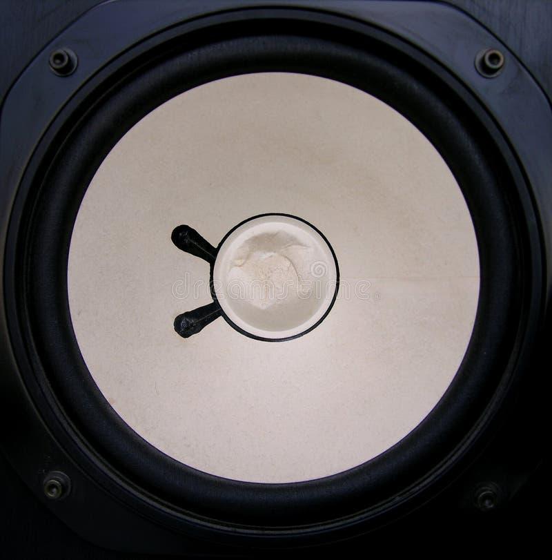 Download σπασμένος ομιλητής στοκ εικόνες. εικόνα από κύκλοι, λέσχη - 109070