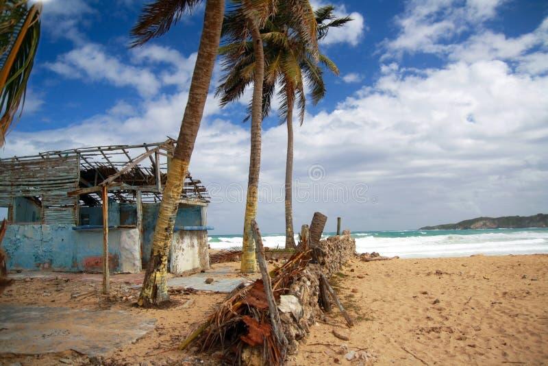 Download σπασμένο καραϊβικό σπίτι στοκ εικόνα. εικόνα από μπανγκαλόου - 13181025