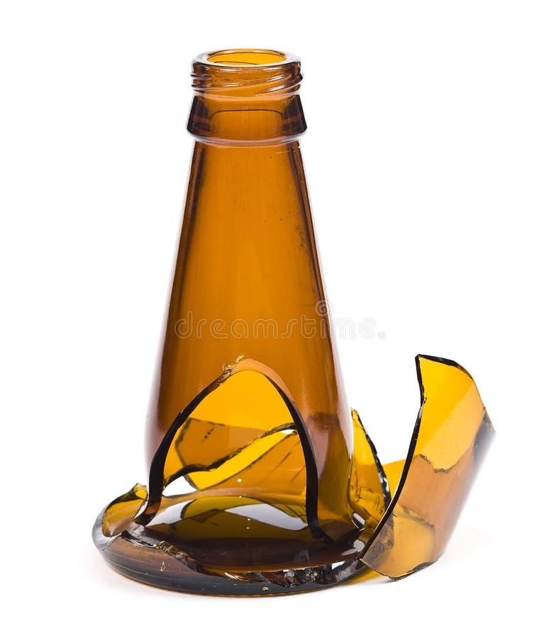 Download σπασμένο μπουκάλι γυαλί στοκ εικόνα. εικόνα από βομβητών - 13181613