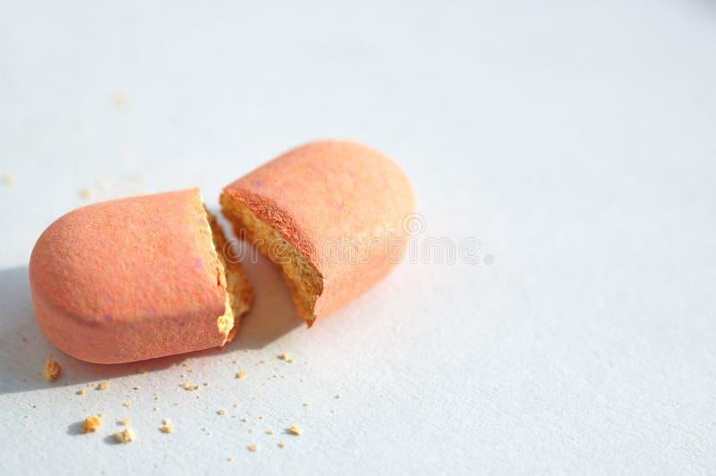 σπασμένο χάπι στοκ εικόνα με δικαίωμα ελεύθερης χρήσης