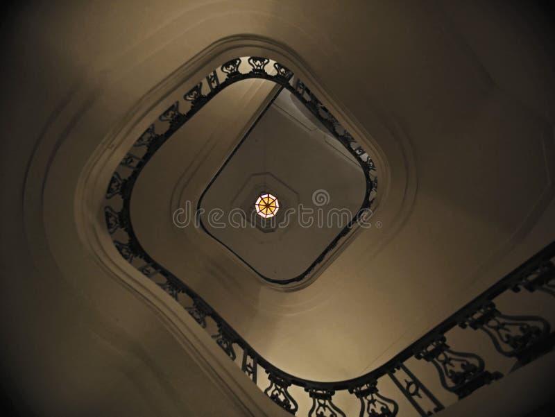 Σπειροειδής σκάλα στο αναμνηστικό πάρκο στοκ εικόνα με δικαίωμα ελεύθερης χρήσης
