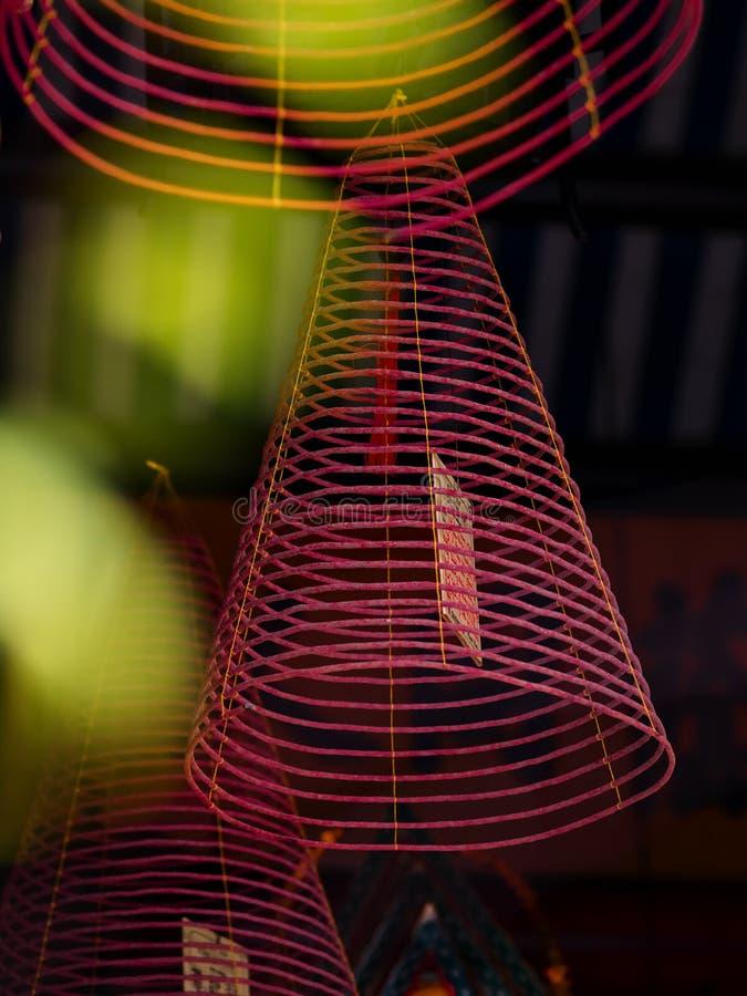 Σπειροειδές θυμίαμα ραβδιών κινέζικων ειδώλων στοκ εικόνα
