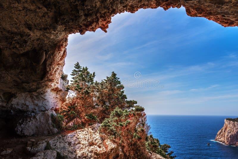 Σπηλιά Rotti Vasi σε Capo Caccia στοκ φωτογραφία