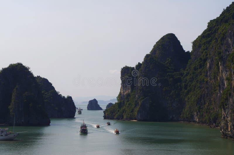 Σπηλιά κόλπων Halong στοκ εικόνα με δικαίωμα ελεύθερης χρήσης