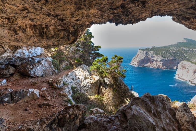 Σπηλιά Rotti Vasi την άνοιξη στοκ εικόνα