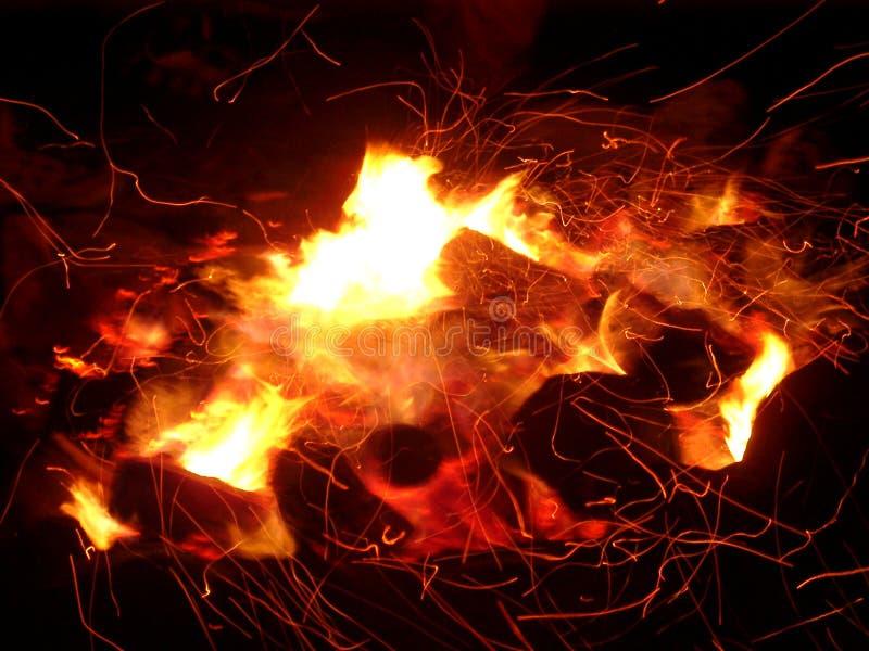 σπινθήρες πυρκαγιάς στοκ εικόνες