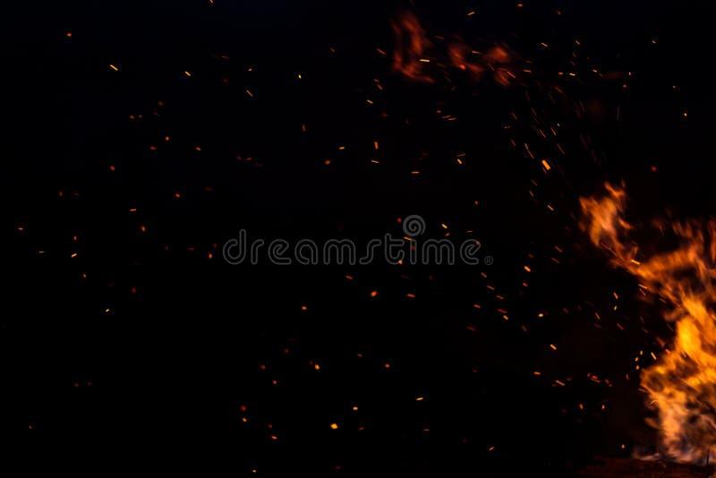 Σπινθήρες της πυρκαγιάς στοκ φωτογραφία με δικαίωμα ελεύθερης χρήσης