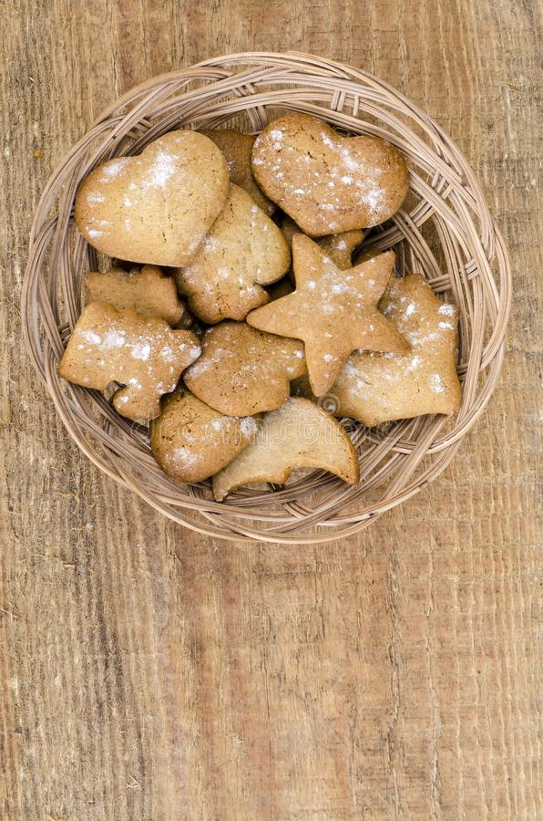 Σπιτικά χειροποίητα μπισκότα μελοψωμάτων μωρών στοκ εικόνα