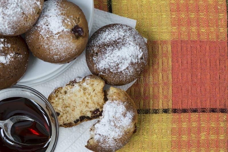 σπιτικά muffins στοκ εικόνα με δικαίωμα ελεύθερης χρήσης