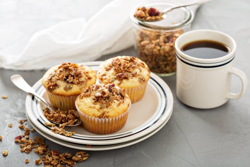 Σπιτικά muffins granola για το πρόγευμα στοκ φωτογραφίες