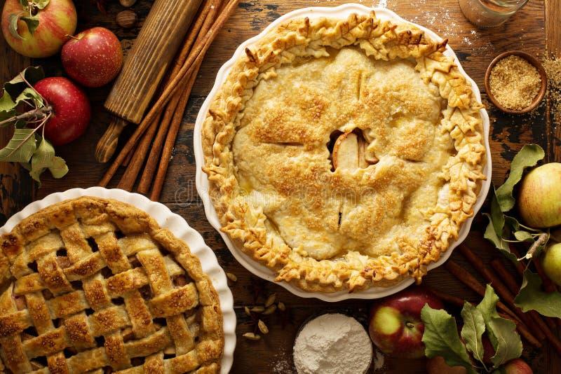 σπιτικές πίτες μήλων στοκ φωτογραφία με δικαίωμα ελεύθερης χρήσης