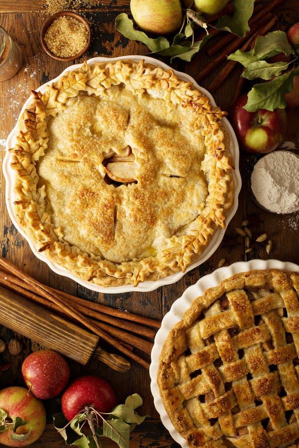 σπιτικές πίτες μήλων στοκ εικόνες με δικαίωμα ελεύθερης χρήσης