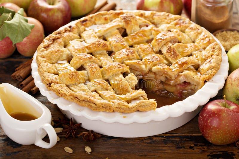 σπιτική πίτα μήλων στοκ εικόνες