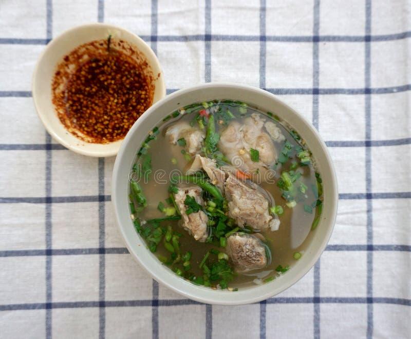 Σπιτική πικάντικη σούπα πλευρών χοιρινού κρέατος στοκ φωτογραφία με δικαίωμα ελεύθερης χρήσης