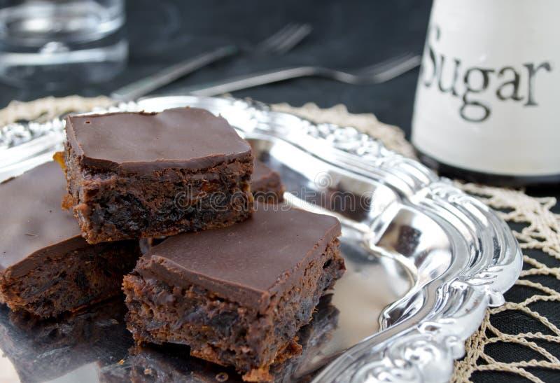 Σπιτική υγιής σοκολάτα brownies με τους ξηρούς καρπούς στοκ εικόνες