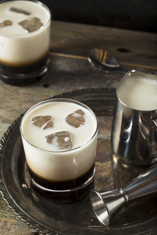 Σπιτικός καφές τα λευκά ρωσικά στοκ εικόνα με δικαίωμα ελεύθερης χρήσης