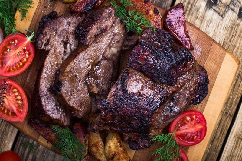 Σπιτικός ψημένος ώμος βόειου κρέατος στοκ φωτογραφίες