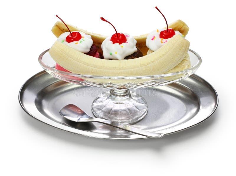 Σπιτικό διασπασμένο sundae μπανανών στοκ εικόνες