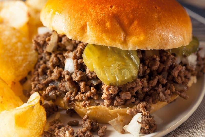 Σπιτικό χαλαρό σάντουιτς ταβερνών κρέατος στοκ εικόνες με δικαίωμα ελεύθερης χρήσης