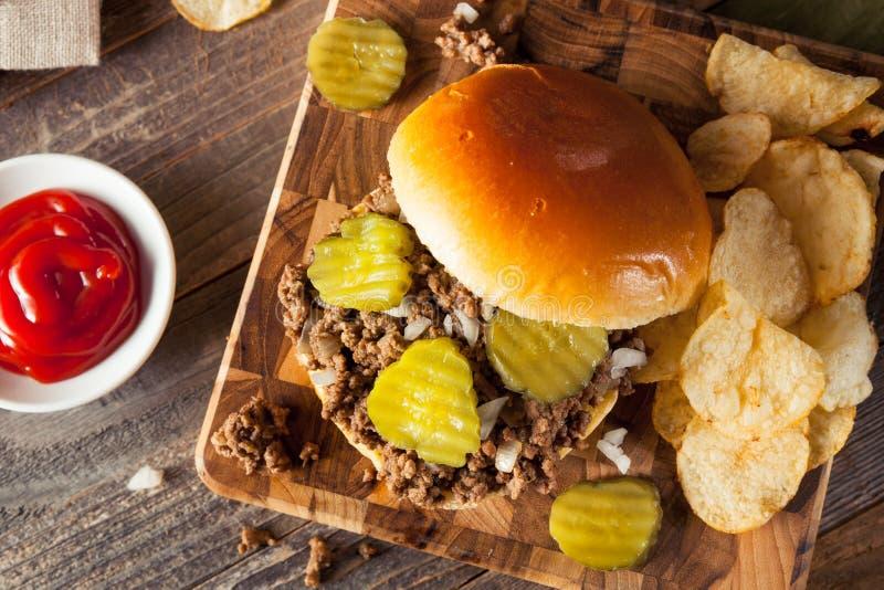 Σπιτικό χαλαρό σάντουιτς ταβερνών κρέατος στοκ εικόνες